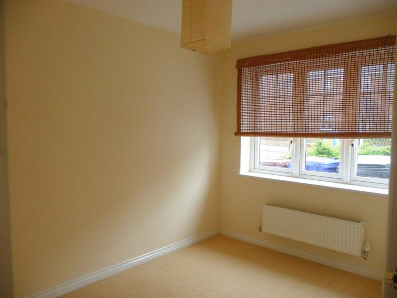 /Kilmaine Avenue,